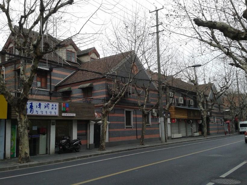 溧陽路(旧称・狄思威路-Dixwell-Road)Antigng撮影-zh.wikipediaによる