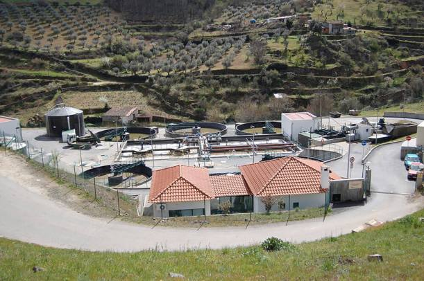 Veolia Water's sewage treatment plant in Bragança, Portugal Dantadd撮影 wikipediaによる