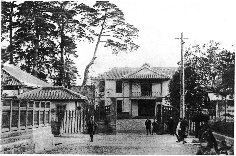 福島県庁-1880年竣工-1900年撮影『図説福島市史』より